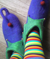 jester-slippers
